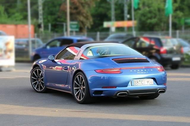 Porsche Hentikan Produksi Mobil Diesel