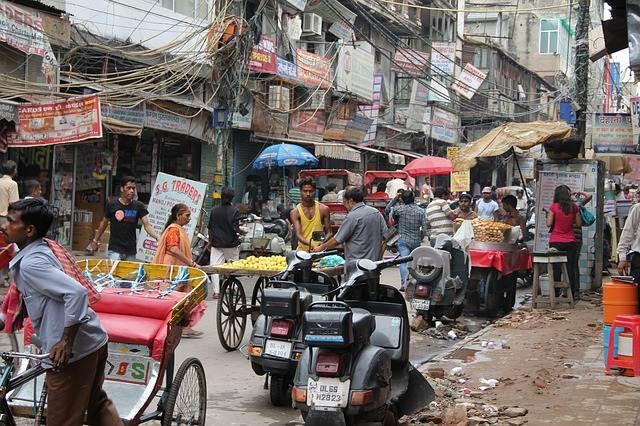 India Mulai Larang 6 Barang Plastik Sekali Pakai Ini