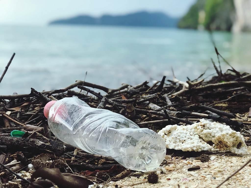 Kanada Akan Larang Plastik Sekali Pakai Mulai 2021 A