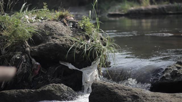 Manfaat-Sungai-Bagi-Kehidupan-Manusia-B